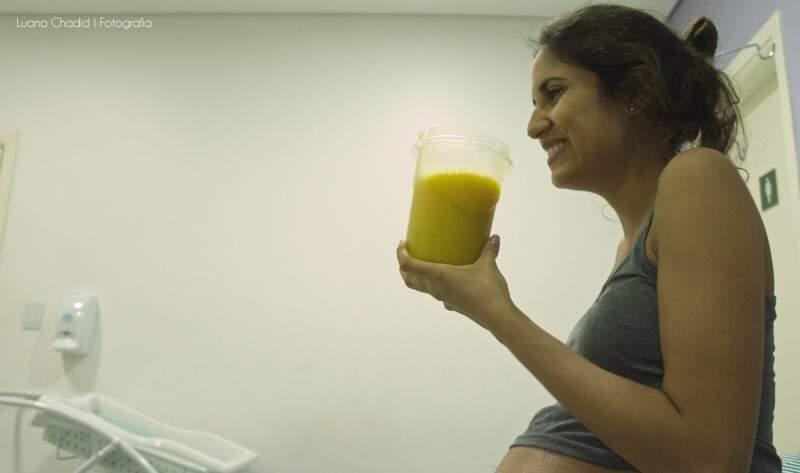 Fotógrafa também acompanha os mimos dados à mãe. (Foto: Luana Chadid)