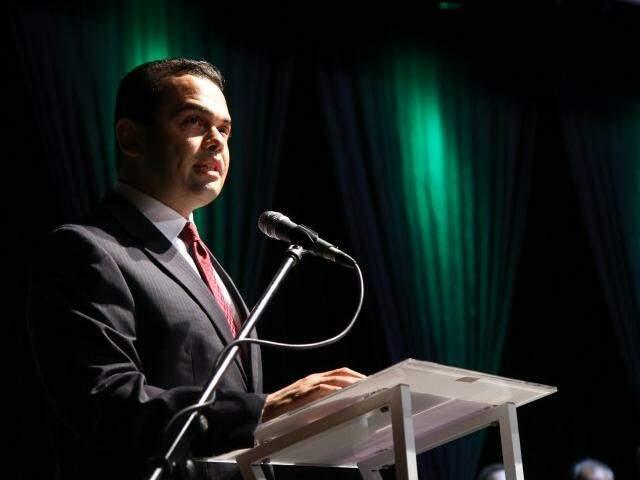 Secretário de Saúde, Marcelo Vilela, discursou em nome do primeiro escalão. (Foto: Alcides Neto)