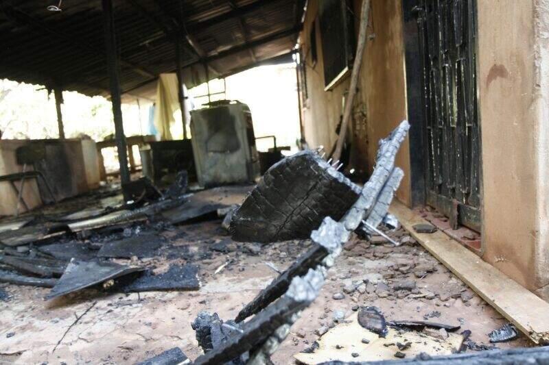 Incêndio foi controlado rapidamente pela guarnição do Corpo de Bombeiros (Foto: Cleber Gellio)