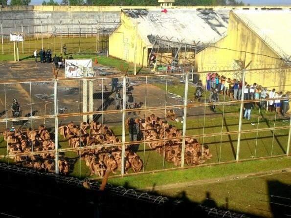 Rebelião ocorrida no mês de agosto, em Naviraí, onde dois presos foram mortos. (Foto: Divulgação)