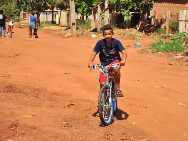 Fiquei até chique', diz menino que ganhou bicicleta do Papai Noel na  Capital - Comportamento - Campo Grande News