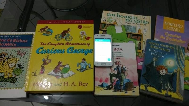 Livros pedidos pela escola saíram a 50% do preço (Foto: arquivo pessoal)