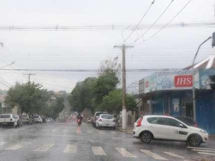 Inmet alerta para temporal com queda de granizo, de árvores e alagamentos