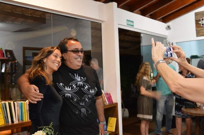 """Guilherme Rondon durante o coquetel de lançamento do disco """"Que seja raro"""" (Foto: Naiane Mesquita)"""