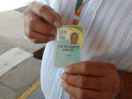"""Mesmo divididos, taxistas garantem que não haverá """"guerra"""" contra Uber"""