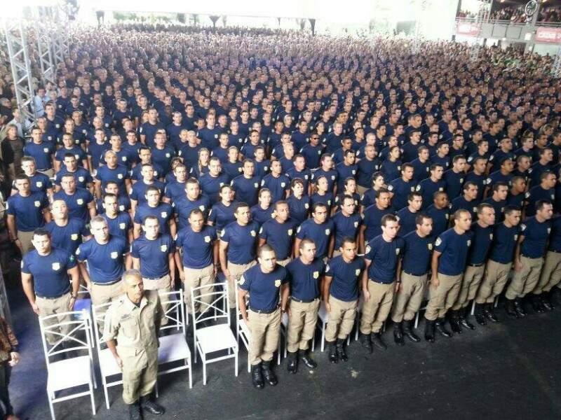 Primeira turma de formandos da Academia Nacional da PRF, em 2014 (Foto: Facebook)