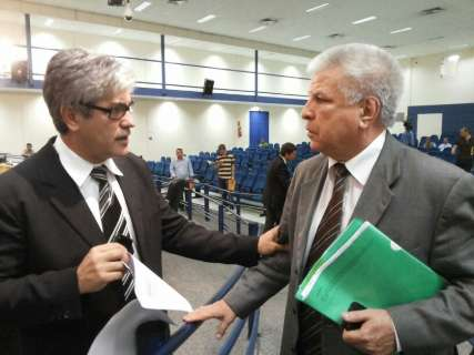Alex protocola documento pedindo saída de Edil da presidência da Processante