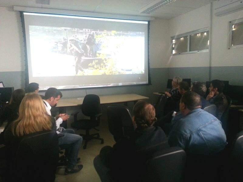 Sala de onde jornalistas acompanham palestra sobre o Sisfron. (Foto: Chico Leite)
