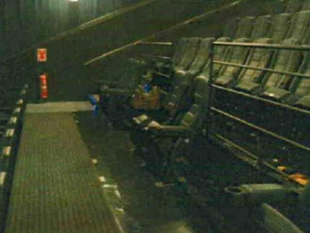Documento aponta que ângulo de visão para cadeirantes, na primeira fileira, é irregular. (Foto: Divulgação/laudo Crea)