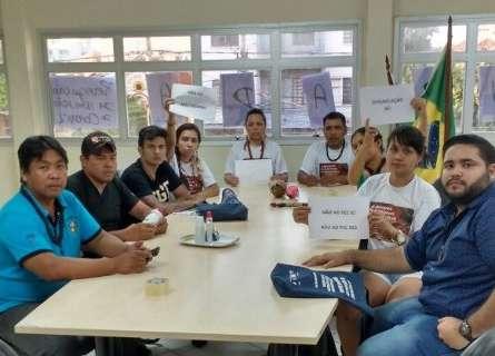 Estudantes e indígenas invadem a Funai contra nomeação de novo coordenador