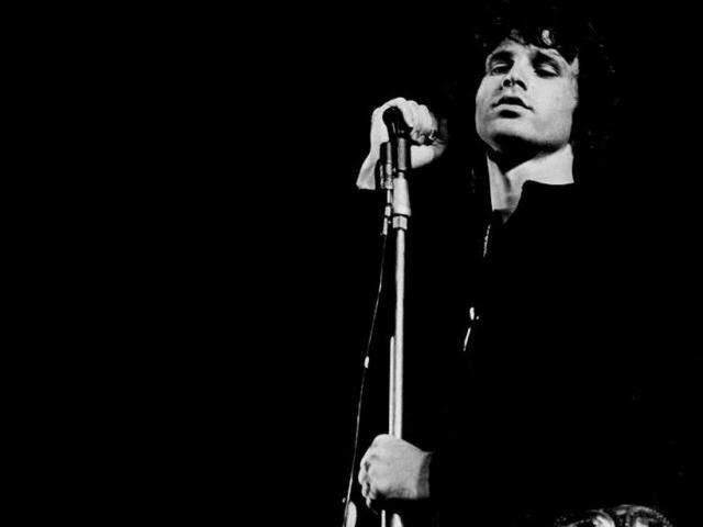 A lista de meus ídolos é grande e inclui Jim Morrison.