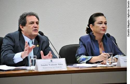 Senadores Waldemir Moka e Kátia Abreu, relator-revisor e relatora da reforma da Lei de Licitações (Foto: Geraldo Magela/Agência Senado)