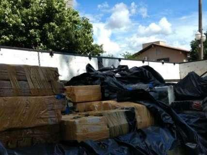 Três toneladas de maconha e 23 kg de cocaína são apreendidas em caminhão
