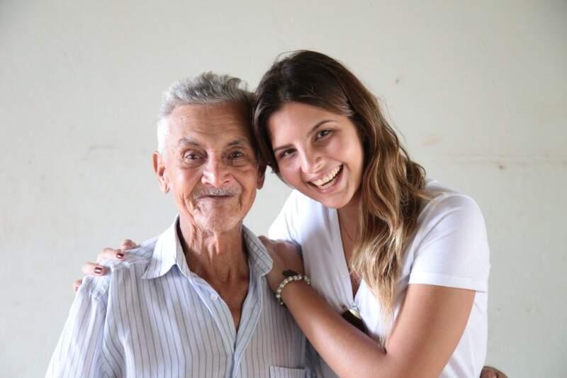Marina foi pessoalmente dar um abraço e contar sobre as doações para Baiano. (Foto: Fernando Antunes)