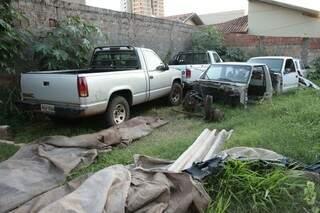 Um dos veículos foi furtado na madrugada de domingo (10) (Foto: Cléber Gellio)
