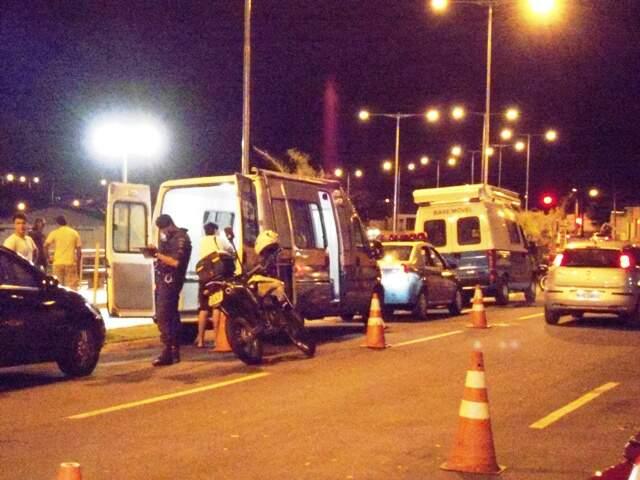 Policiais durante operação (Foto: Divulgação/PM)