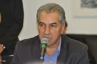 Governador participa de evento para discutir PPA e entrega kit escolar (Foto: Marcelo Calazans)