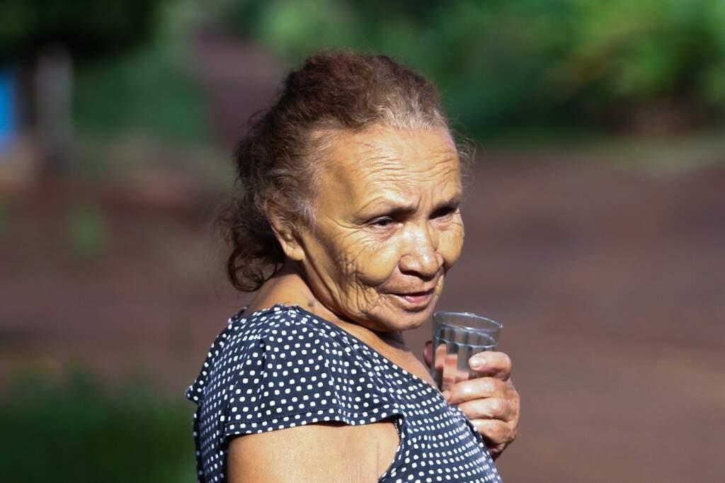 Depois de anos enfrentando cheias no Pantanal, Maria Tereza comemora calmaria. (Foto: Saul Schramm)