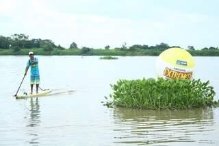 Luiz é pioneiro no esporte e o atual bicampeão no Stand up Paddle (Foto: Marcos Ermínio)