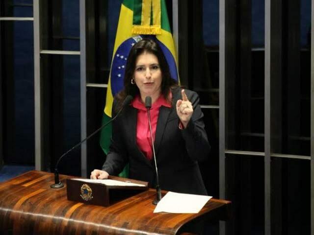 Simone Tebet discursou a favor do impeachment de Dilma no plenário do Senado nesta terça (Foto: Divulgação)