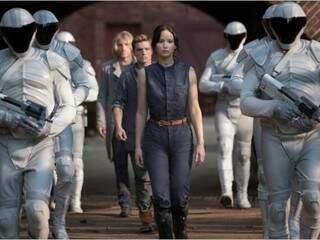 Atriz Jennifer Lawrence durante cena do filme Jogos vorazes: Em Chamas.