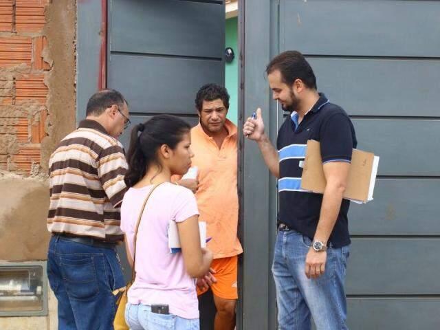 Moradores estão sendo questionados por equipes da Emha. (Foto: André Bittar).