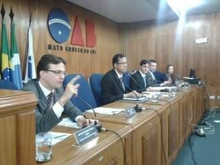 Carta que pede afastamento de Julio Cesar da seccional já possui assinatura de 17 dos 31 presidentes da OAB/MS (Foto: Cleber Gellio)