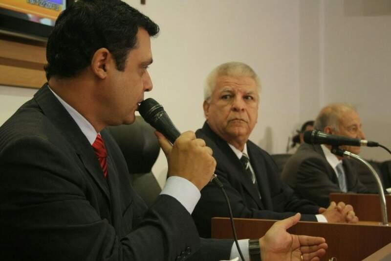 Bernal pede para comissão suspender todos os prazos para ganhar tempo e se livrar de cassação (Foto: Marcos Ermínio)