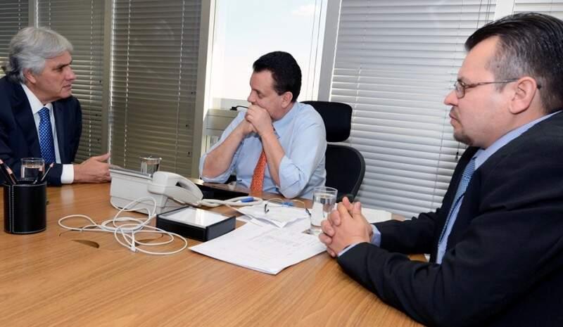 Delcidio foi acompanhado do prefeito de Jardim, na audiência com ministro das Cidades (Foto:Divulgação)