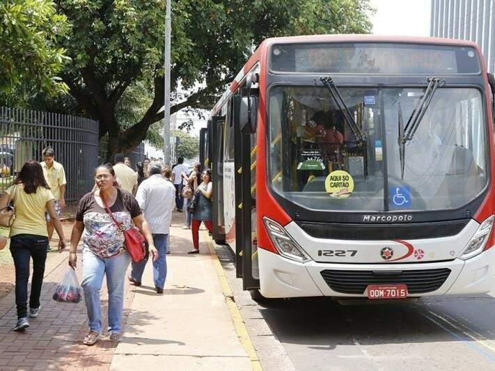 Reajuste do passe do ônibus foi suspenso pelo TCE. (Foto: Arquivo)