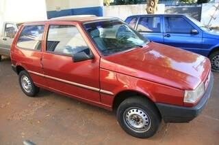 Os dois veículos haviam sido roubados há alguns dias (Foto: Marcos Erminio)