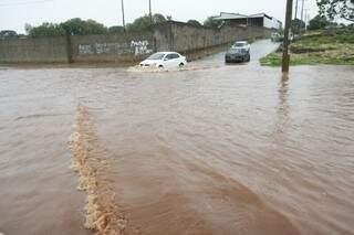 Tempestades causaram alagamentos na cidade na última semana (Foto: Cleber Gellio)