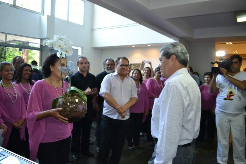 Coral percorreu todas as secretárias com a apresentação da cantata desde 3 de dezembro (Foto: Pedro Peralta)