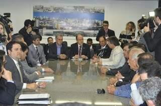 Deputados se reuniram hoje com o governador Reinaldo. (Foto: Marcelo Calazans)