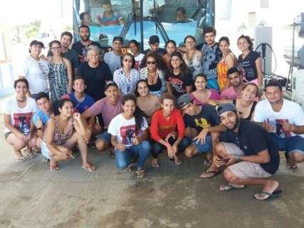 Após drama na estrada, ônibus com estudantes chega amanhã cedo a MS