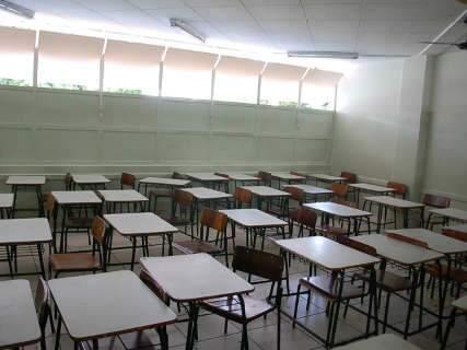 Passeata reúne cerca de 12 mil professores, segundo Fetems