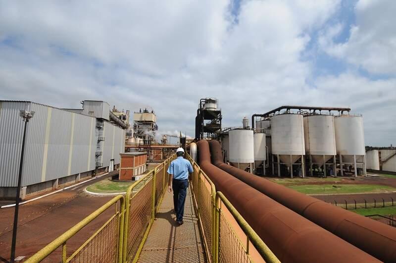Conjunto de atividades industriais fechou 174 vagas em março. (Foto: Caged)
