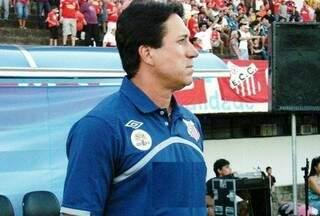 Amarildo diz já ter 20 jogadores confirmados para a apresentação (Foto: Arquivo)