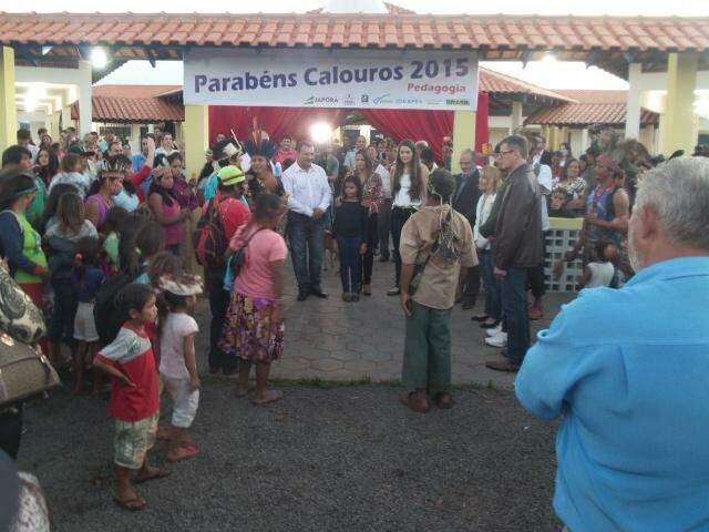 Comunidade indígena de Porto Lindo recebe autoridades com dança de boas vinda (Foto: Antônio Marques)