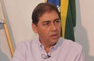 Bernal assina ordem de serviço para retomar obras da Upa Moreninhas