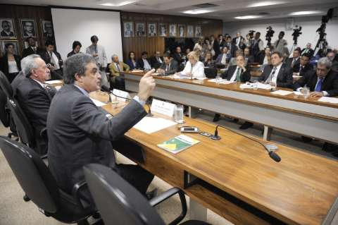 Sob pressão, ministro garante verbas para comprar terras indígenas em MS