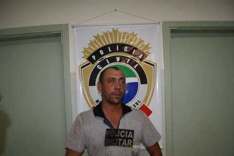 Homem mata ex-mulher e sogra a facadas após briga na rua em Caarapó