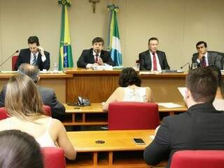 Reunião da CCJ, que ocorreu nesta terça-feira (25).(Foto: Victor Chileno/ALMS)