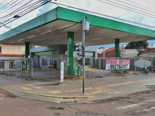 Posto localizado entre as ruas Maracaju e Calógeras está entre os que fecharam em 2016 (Foto: Fernando Antunes)