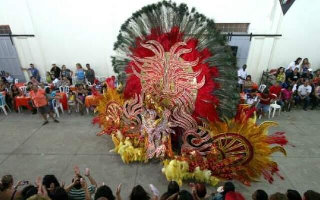 Desfile de fantasias no ano passado. (Foto: Divulgação).
