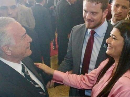 Rose Modesto (PSDB), vice-governadora, cumprimenta o presidente da República, Michel Temer. (Foto: Sílvio de Andrade/Governo do Estado).