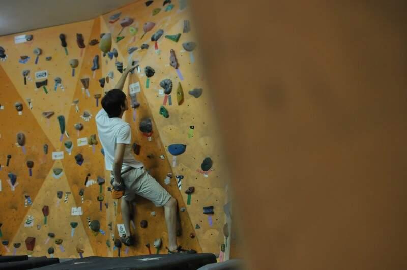 Ou também como preparação para escalar rocha. Na foto, Anthony que treina para o brasileiro. (Foto: Alcides Neto)
