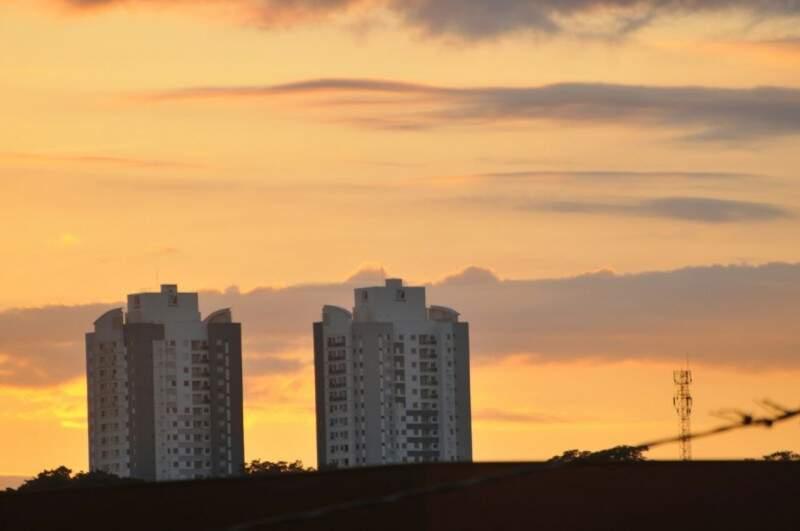 Dia amanhece ensolarado na Capital. (Foto: Alcides Neto)