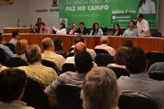 Produtores rurais participam de audiência que foi boicotada por índios na Câmara (Foto: Filipe Prado)