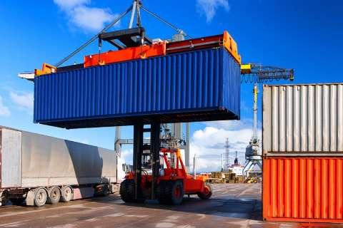 Países reduzem compras e receita com exportações de industrializados cai 8%